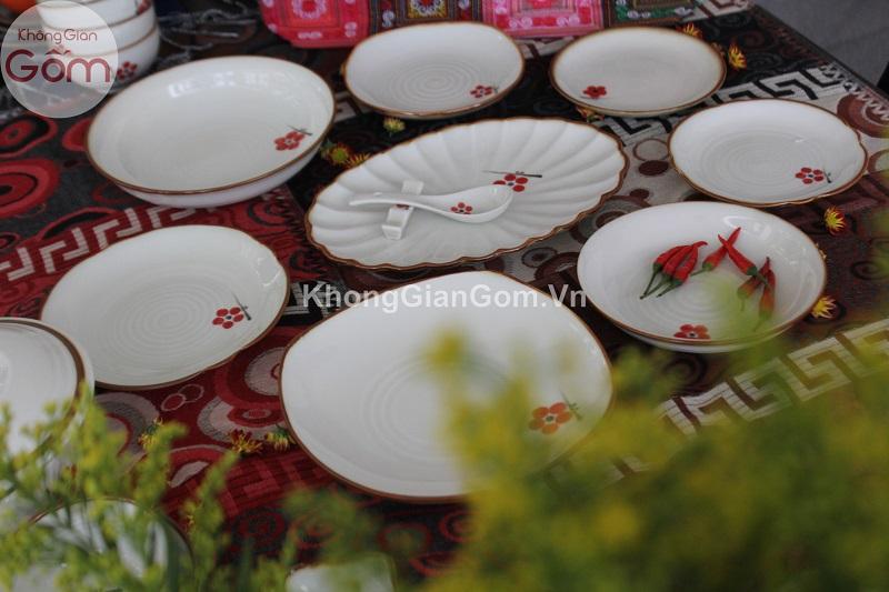 bộ bát đĩa đẹp sang trọng vẽ hoa đào đỏ