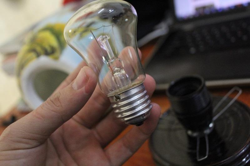sử dụng đèn xông tinh dầu như thế nào cho đúng cách