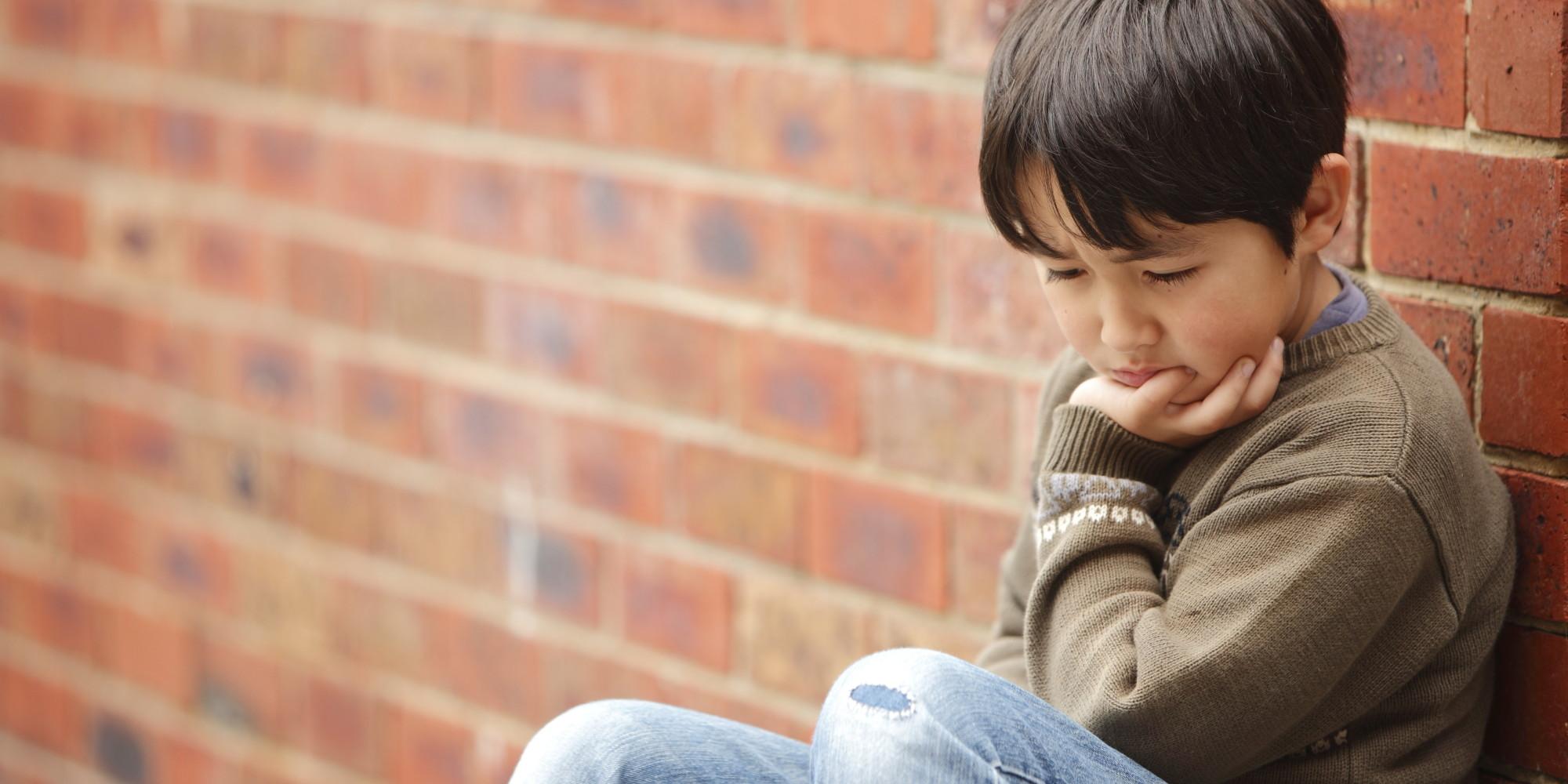 Lạm dụng rượu ở trẻ em nhút nhát [Theo nghiên cứu]