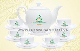 Ấm trà in logo quận 8 tphcm - Cơ sở sản xuất quà tặng công nhân giá xưởng