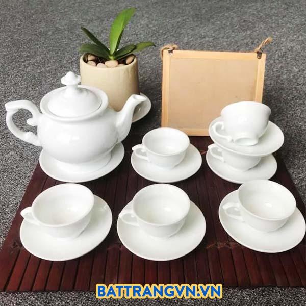 Bộ ấm trà sứ trắng dáng cao sang trọng 01