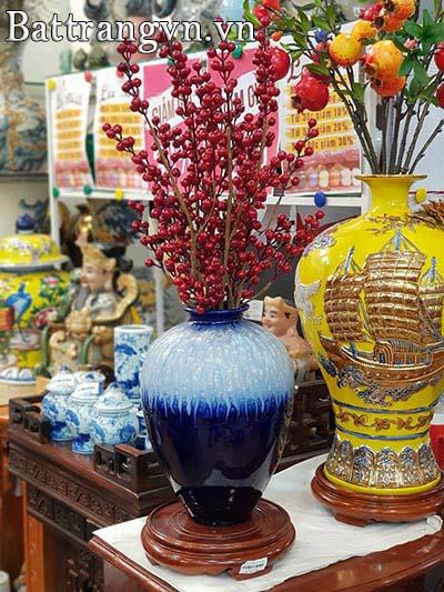Bình gốm cắm hoa Đào quận Tân Bình
