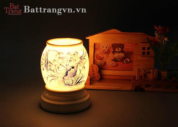Công dụng của đèn xông tinh dầu
