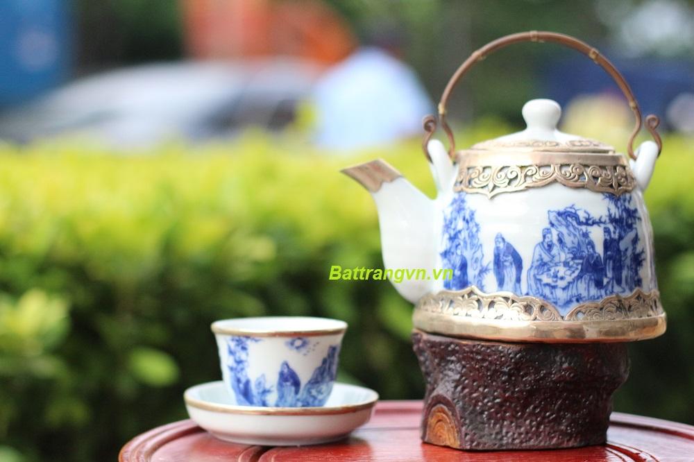 ấm trà men xanh bọc đồng