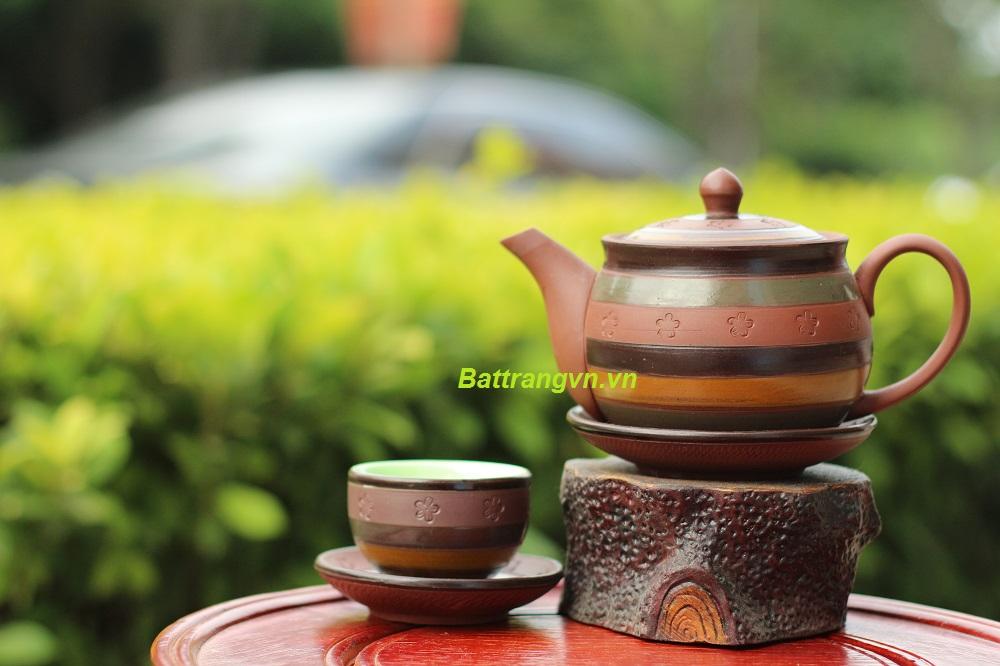 ấm trà bát tràng