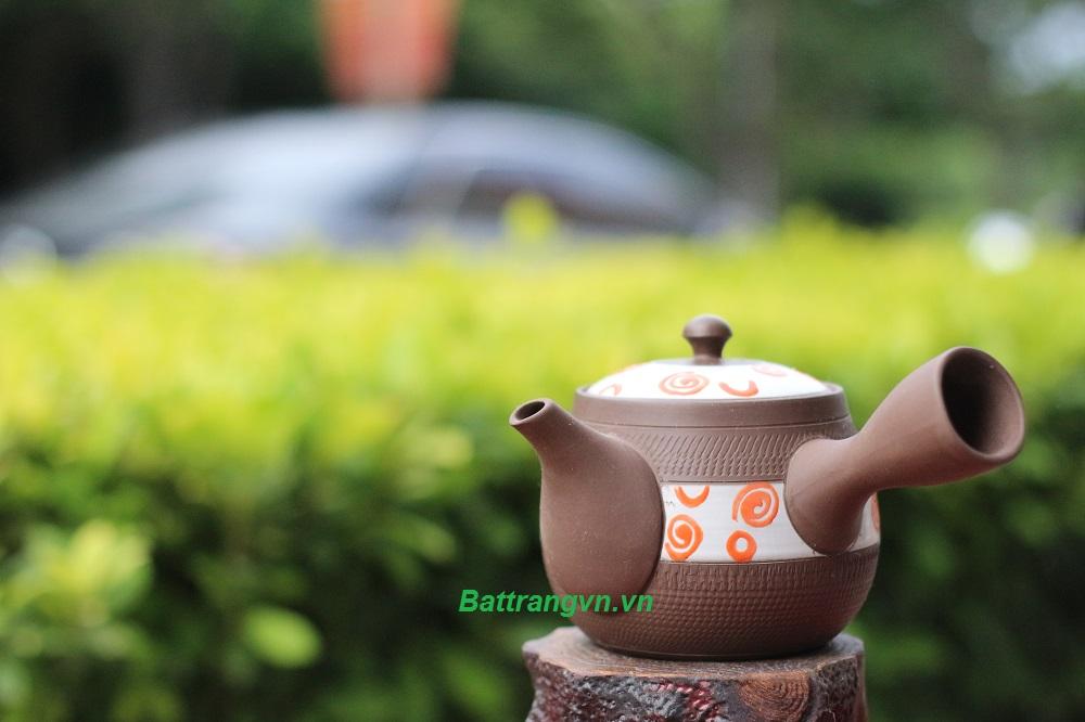 ấm trà hoa văn đẹp