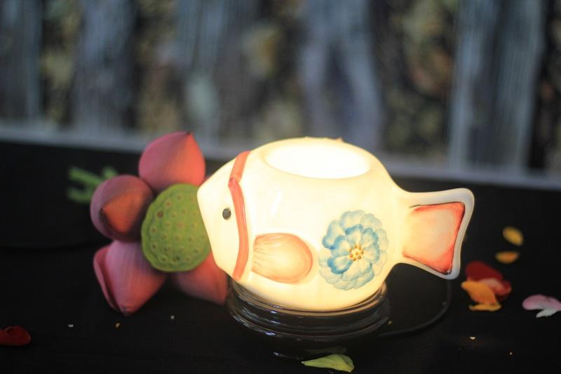 có nến sử dụng đèn xông tinh dầu khi nhà có trẻ nhỏ